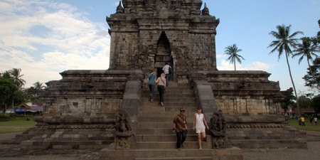 0a0807Mendut and Pawon in Borobudur Yogyakarta Indonesia by ngotoh, on Flickr
